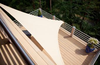Raab Karcher Galabau Verlegung von Terrassendielen